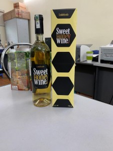 Vang mật ong Sweet honey wine